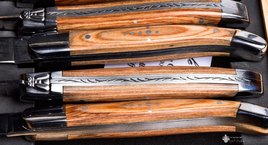 Holzverzierungen an Steakmesser von Laguiole